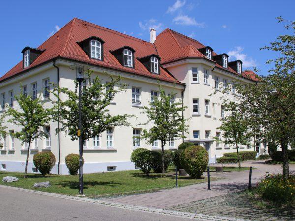 Umbau einer denkmalgeschützt Kasernenanlage in eine Wohnanlage in Weingarten